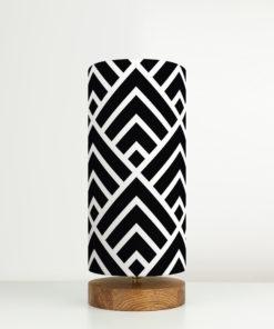 lampa stołowa drewno z abażurem czarno-białym