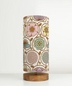 oryginalna lampa dekoracyjna z abażurem
