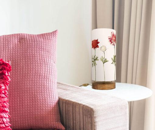 Lampa nastrojowa z abażurem w kwiaty