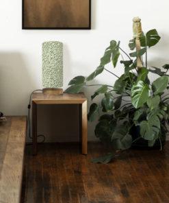 Oryginalna lampa stołowa z abażurem we wzór williama morrisa