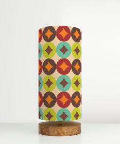 Lampa stołowa z abażurem we wzór retro