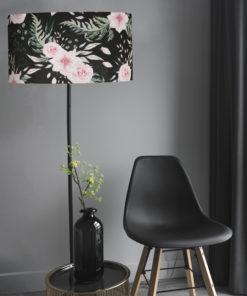 abazur na lampę podłogową cylindryczny czarny w różowe kwiaty