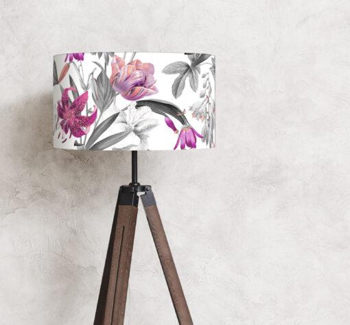 abażur biały w różowej kwiaty na lampę podłogową z materiału cylinder