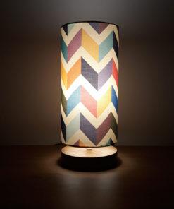 lampa stołowa dekoracyjna z abażurem retro