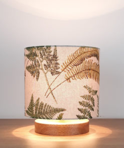 lampa stołowa nocna rustykalna z abażurem we wzór paproci