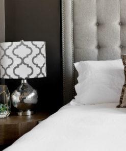 abażur do lampy stołowej koniczyna marokańska szara na białym tle