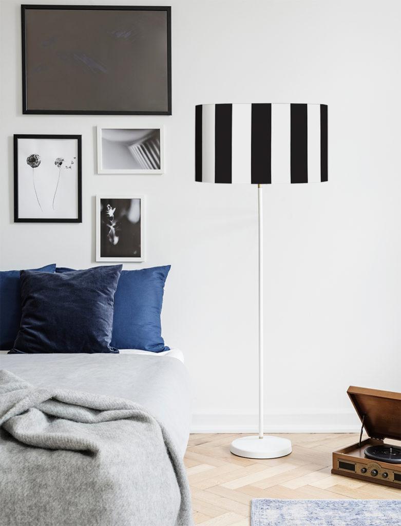 abażur do lampy czarno białe pasy