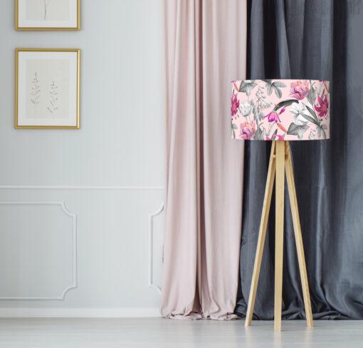 abażur do lampy różowy w kwiaty