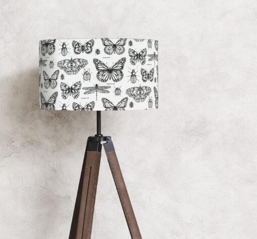 abażur biało-czarny na lampę stojącą w kształcie cylindra