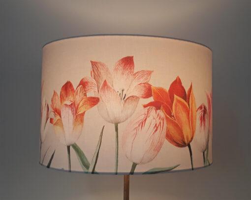 abażur beżowy na lampę podłogową tulipany