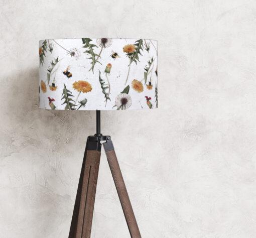 abażur na lampę stojącej rośliny
