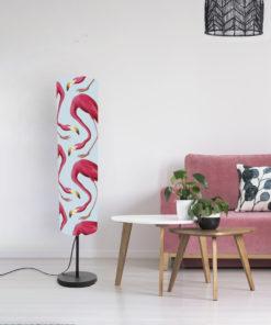 lampa stojąca dekoracyjna z abażurem niebieskim we flamingi