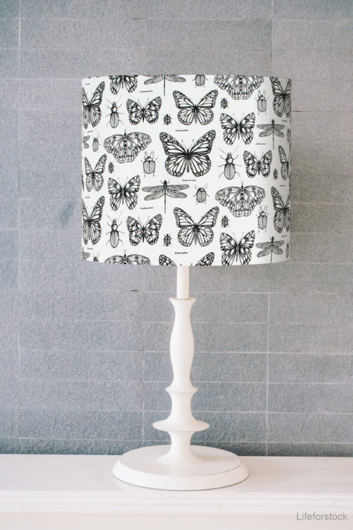 abażur czarno-biały motyle do lampy stołowej cylinder