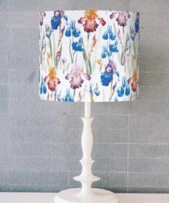 abażur w kwiaty na lampe stołową