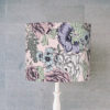 abażur różowy w kwiaty