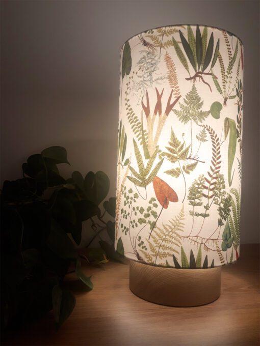 lampa nocna stołowa z abażurem drewniana rośliny