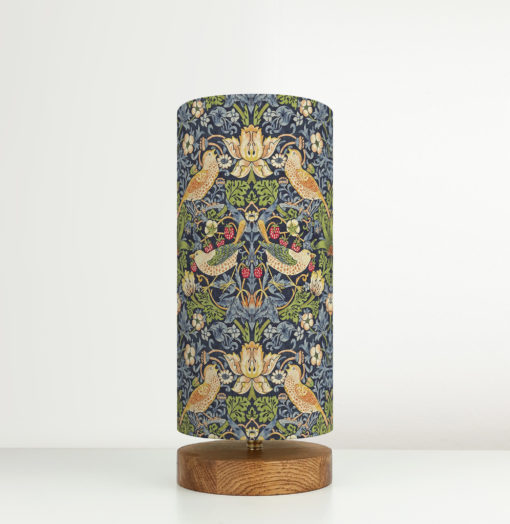 lampa z abażurem niebieskim william morris
