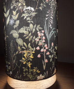 lampa nocna z abażurem w kwiaty czarna