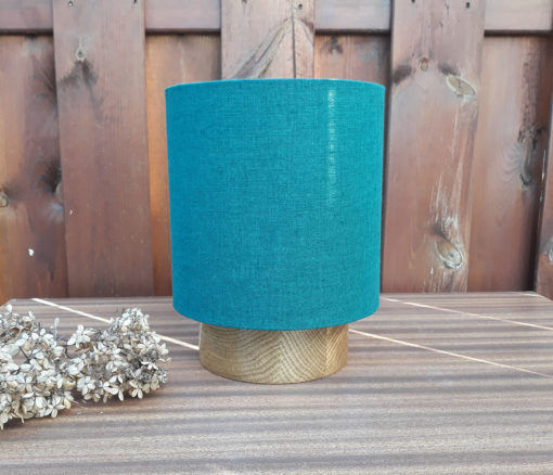 lampa z lnianym abażurem