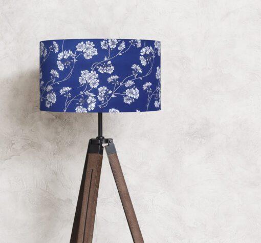 abażur klosz niebieski do lampy białe kwiaty